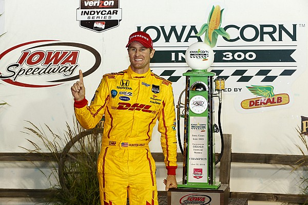 Hunter-Reay steals one in a thrilling finish at Iowa