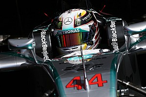 Mercedes 'already negotiating' with Hamilton