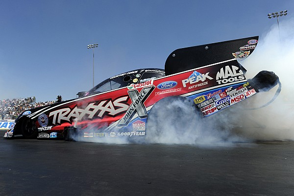 Courtney Force leads NHRA qualifying in Texas