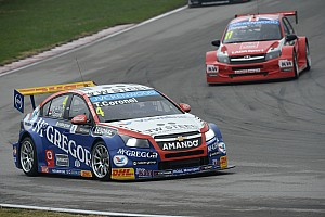 Twelve world championship points for Tom Coronel in Shanghai WTCC races - video