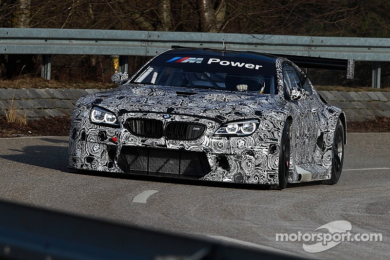 New BMW M6 GT3 completes rollout