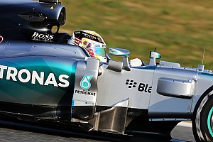Unwell Hamilton withdraws from Barcelona test