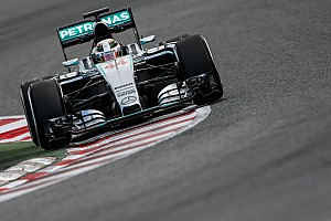 Hamilton's contract talks with Mercedes  in 'final stages'