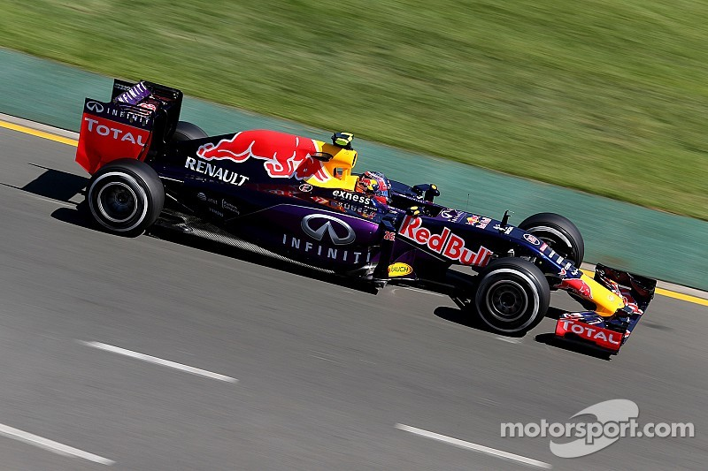 Renault F1 chief accuses Newey of