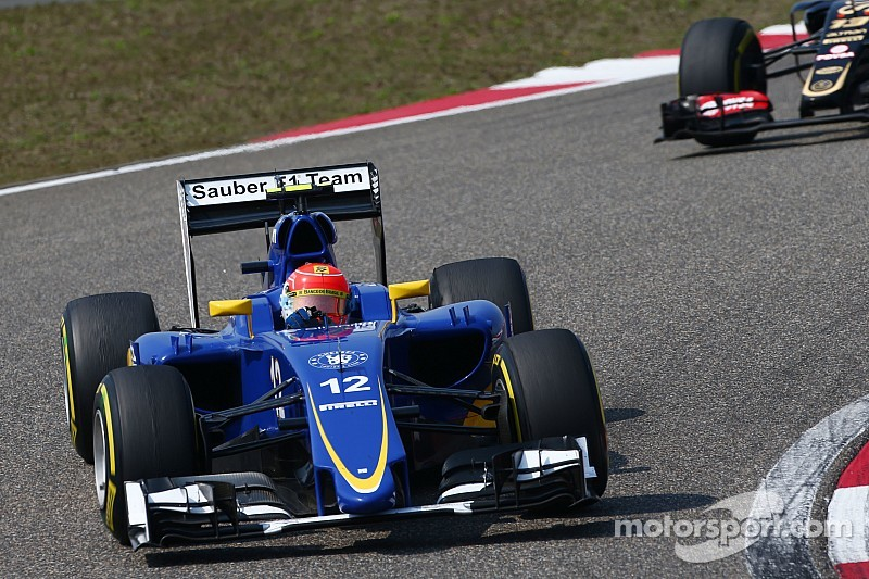 Sauber must target points in every race - Nasr