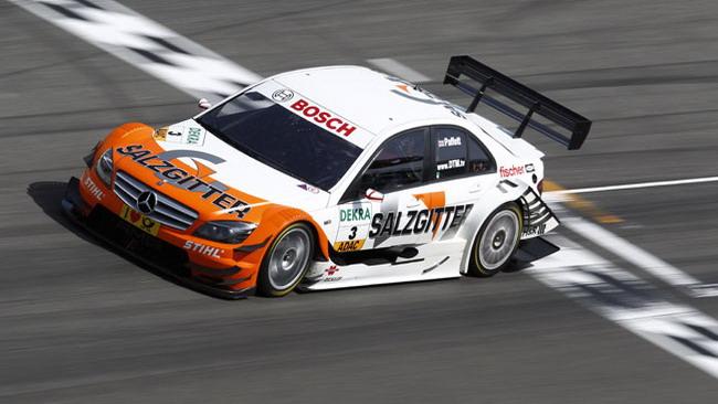La Mercedes ritarda il debutto della vettura 2012
