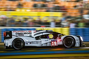 Le Mans 24: Porsche leads Audi at halfway point
