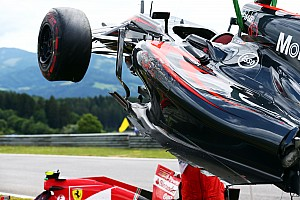 Stewards clear Alonso, Raikkonen after crash
