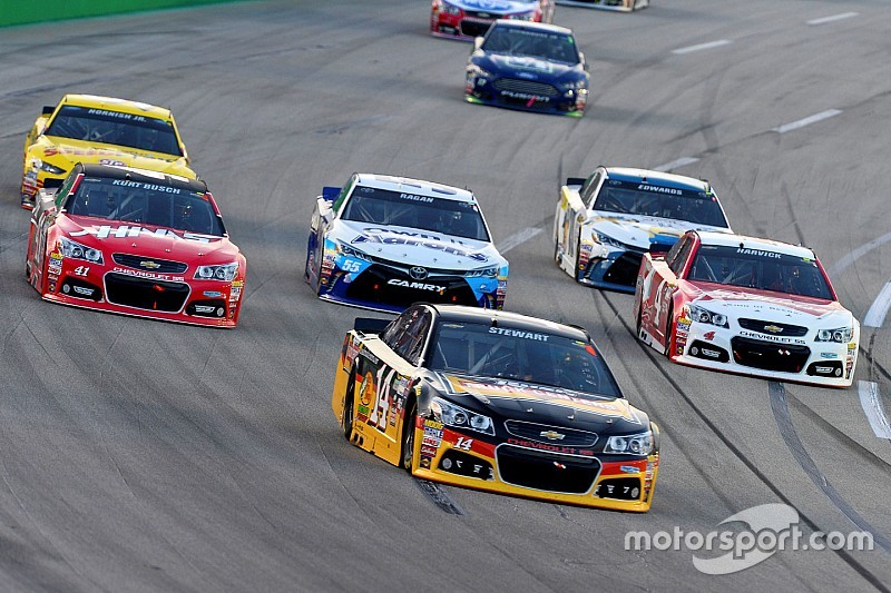 NASCAR will stay the course with 2015 rules package for Chase