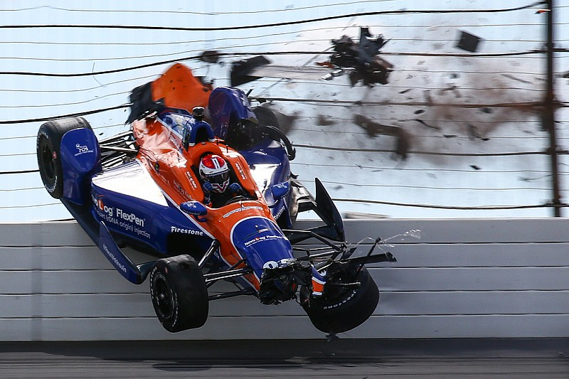 Kimball goes airborne in Pocono qualifying - video
