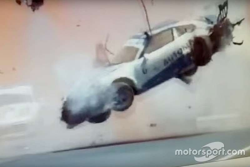 Pedro Piquet se accidenta violentamente en la carrera de Porsche GT3 Cup - video