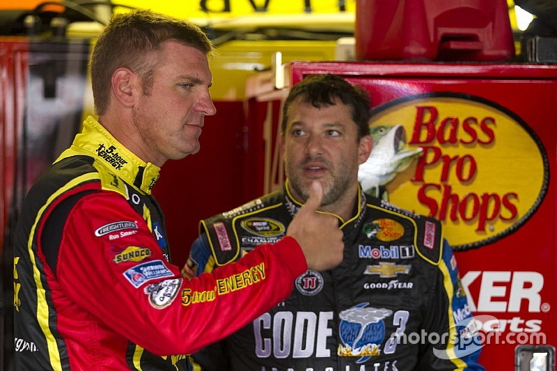 Clint Bowyer's future is becoming clearer
