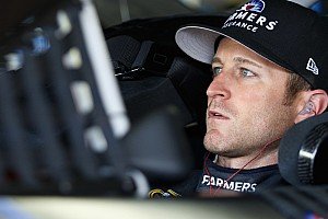 Kahne to race sprint cars in Australia