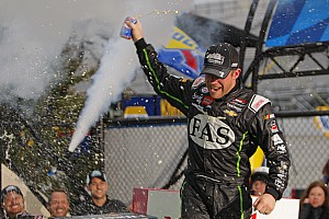 Regan Smith holds off Gibbs duo to win at Dover