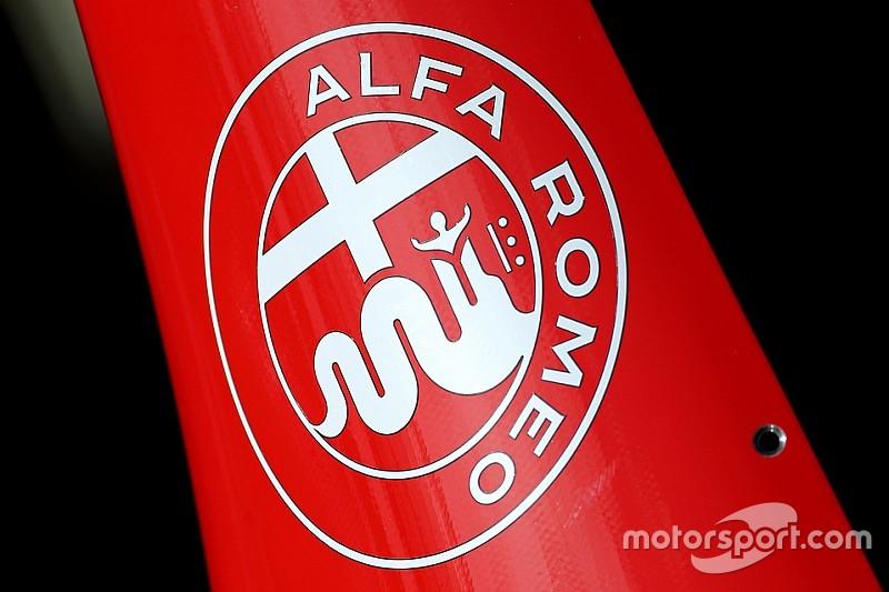 Le retour d'Alfa Romeo en sport auto reste étudié par Ferrari    F1-australian-gp-2015-scuderia-scuderia-ferrari-alfa-romeo
