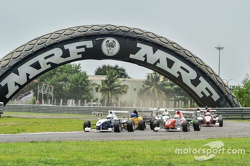 MMSC hands scholarship to 16 drivers for F1300 and F1600