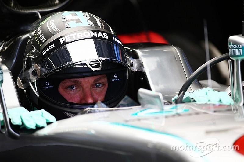 中国大奖赛FP1:罗斯伯格最快 爆胎事故耽搁半小时
