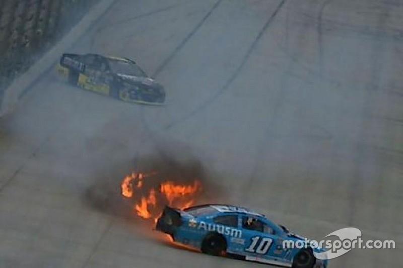 Bizarre multi-car wreck halts NASCAR Sprint Cup practice