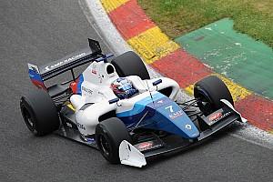 Formula V8 3.5 Reporte de la carrera Orudzhev contuvo a Nissany para conseguir la victoria