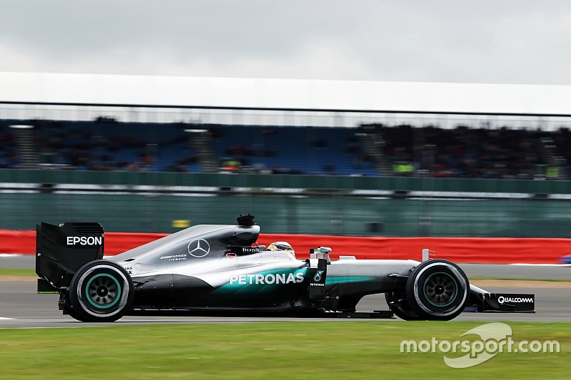 EL1 - Mercedes commence son week-end dans un autre monde