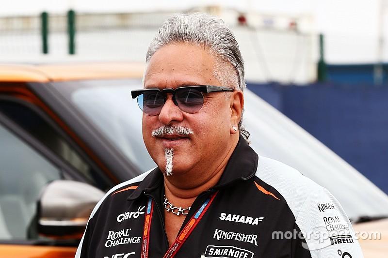 Vijay Mallya retrouve le paddock F1