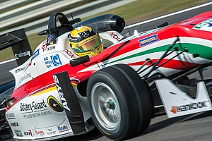 Євро Ф3 Репортаж з гонки Євро Ф3 у Зандворті: Гюнтер приносить Prema третю перемогу поспіль