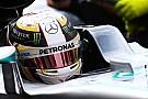Mercedes confirma punição de 15 posições para Hamilton