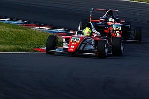F4 BRÉKING Schumacher fia már megint varázsolt: a 15. helyről rajtolt és végül 6. lett
