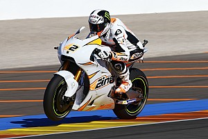 MotoGP Últimas notícias Rins é levado a hospital de ambulância após cair em Valência