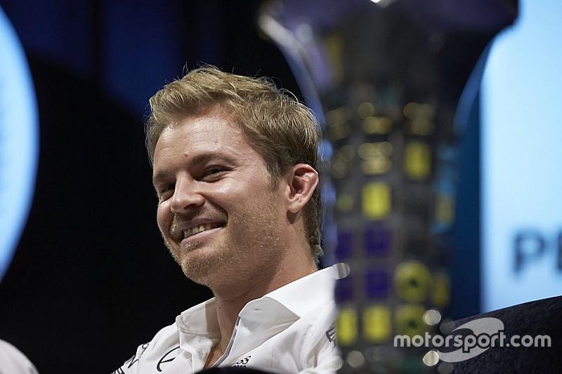 Empfang in Wiesbaden: F1-Weltmeister Nico Rosberg zurück in Deutschland