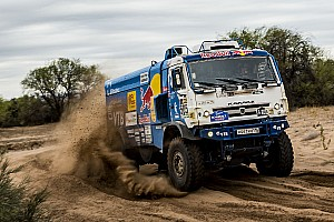 Dakar Tappa Dakar, Camion, Tappa 12: Nikolaev trionfa con il Kamaz, De Rooy terzo