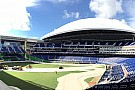 ALLGEMEINES Zeitraffer-Video: So wird ein Baseball-Stadion zur Rennstrecke