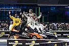 Forma-1 Videón a jelenet, amikor Massa, Vettel, Montoya és a többiek megmászták az autót
