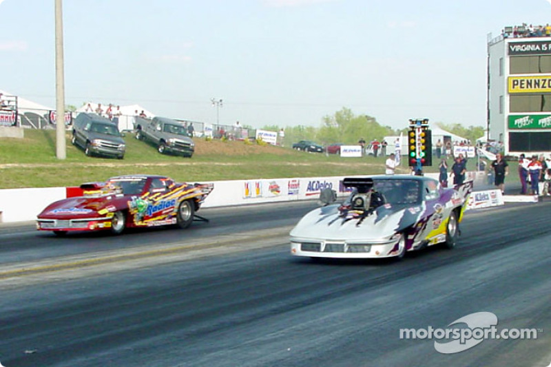 Mike Janis takes out last year's pro mod title holder, Fred Hahn, on his way to the pro mod championship