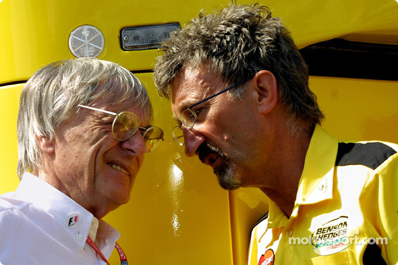 Bernie and Eddie in discussion