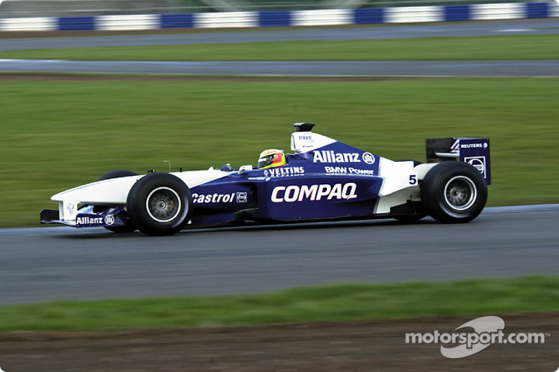 The FW23 on the Silverstone circuit