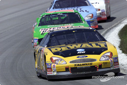 Matt Kenseth leads Bobby Labonte