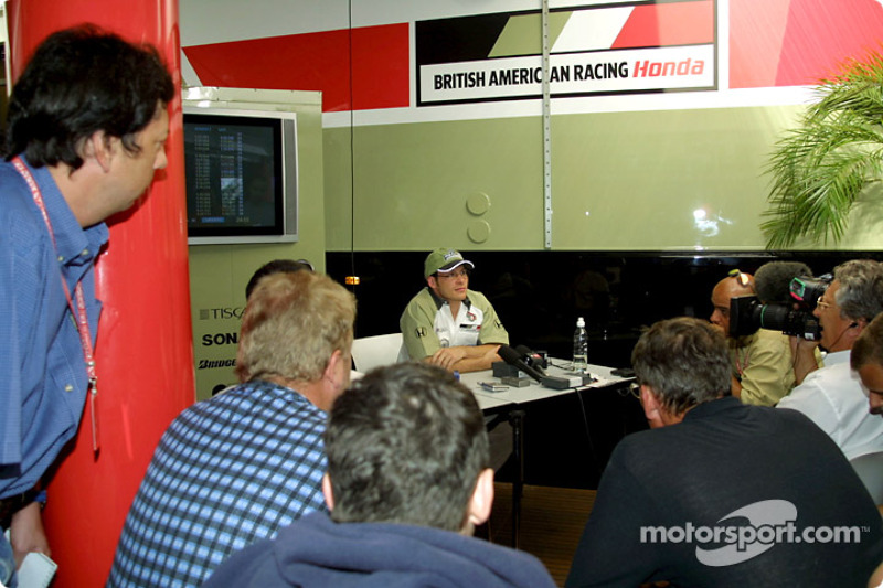 Jacques Villeneuve meeting the press