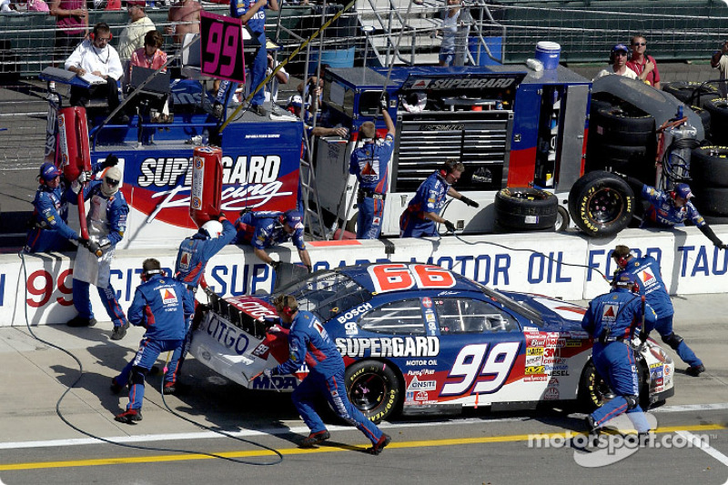 Jeff Burton pits on his way to a 16th place finish
