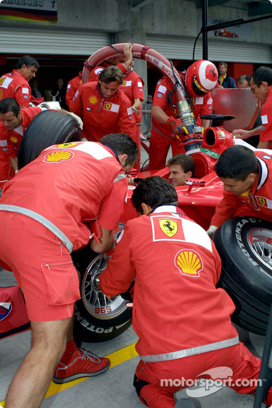 Team Ferrari practicing pitstops