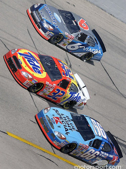 Ricky Craven battling with Todd Bodine and Mark Martin