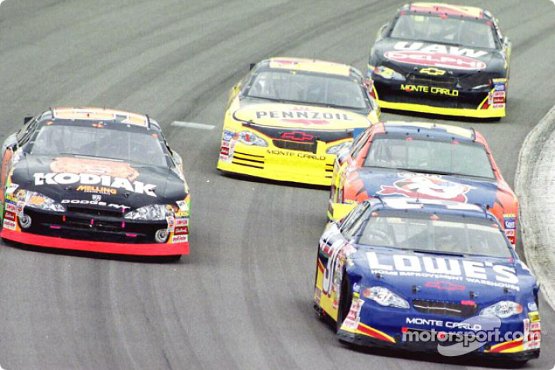 Robby Gordon in front of Stacy Compton and Terry Labonte
