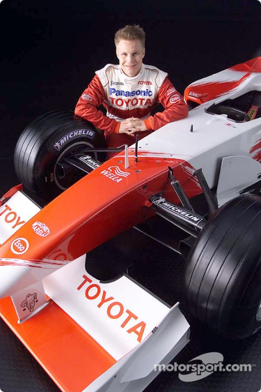 Mika Salo and the 2001 Toyota Formula 1 TF102