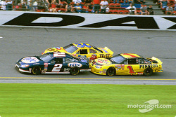 Rusty Wallace battling with brother Kenny