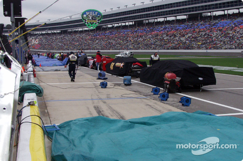 Attempts to dry the pit stall