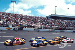 Ward Burton leading Michael Waltrip