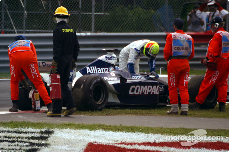 Blown engine for Ralf Schumacer, after the checkered flag