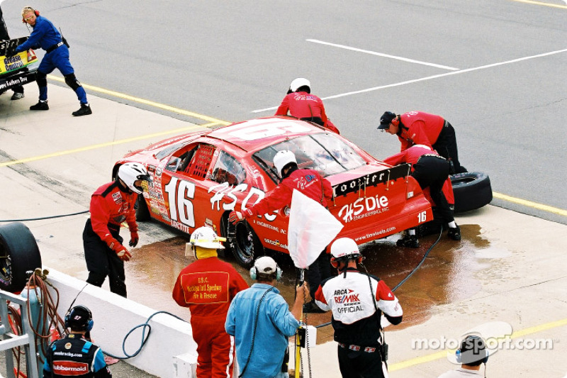 Pitstop for Tim Steele