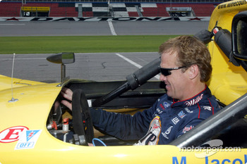 Rusty Wallace starts up the Ford engine of the #06 Riley & Scott