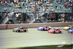 Kenny Wallace leading the field